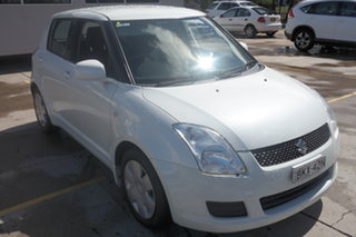 2009 Suzuki Swift RS415 White 5 Speed Manual Hatchback.