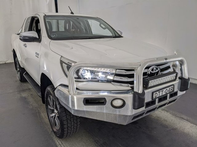 Used Toyota Hilux GUN126R SR5 Extra Cab Maryville, 2018 Toyota Hilux GUN126R SR5 Extra Cab White 6 Speed Sports Automatic Utility