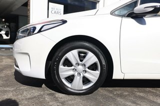 2017 Kia Cerato YD MY18 S White 6 Speed Sports Automatic Hatchback.