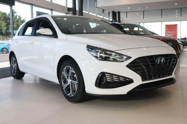 Demo Hyundai i30 PD.V4 MY21 Mount Gravatt, 2021 Hyundai i30 PD.V4 MY21 Polar White 6 Speed Sports Automatic Hatchback