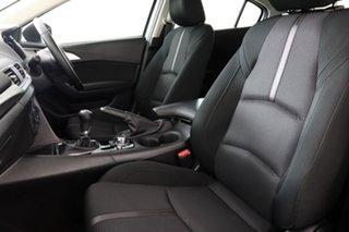 2017 Mazda 3 BN MY17 Maxx Pearl White 6 Speed Manual Hatchback