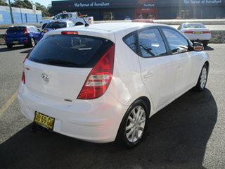2007 Hyundai i30 FD SLX White 5 Speed Manual Hatchback.
