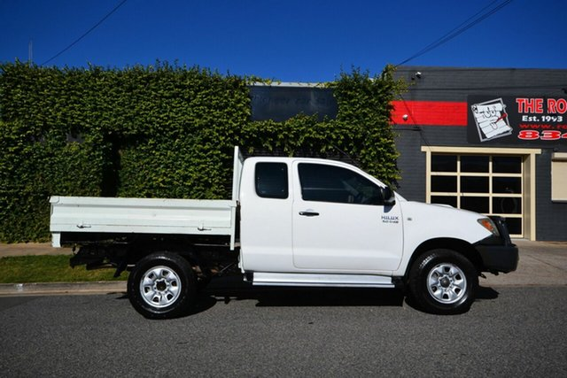 Used Toyota Hilux KUN26R SR (4x4) Blair Athol, 2005 Toyota Hilux KUN26R SR (4x4) White 5 Speed Manual X Cab Cab Chassis