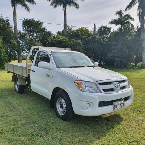 Used Toyota Hilux TGN16R MY07 Workmate 4x2 Alberton, 2007 Toyota Hilux TGN16R MY07 Workmate 4x2 White 5 Speed Manual Cab Chassis