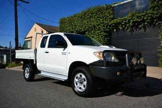 2005 Toyota Hilux KUN26R SR (4x4) White 5 Speed Manual X Cab Cab Chassis.