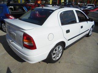 2005 Holden Astra TS MY05 Classic White 5 Speed Manual Sedan