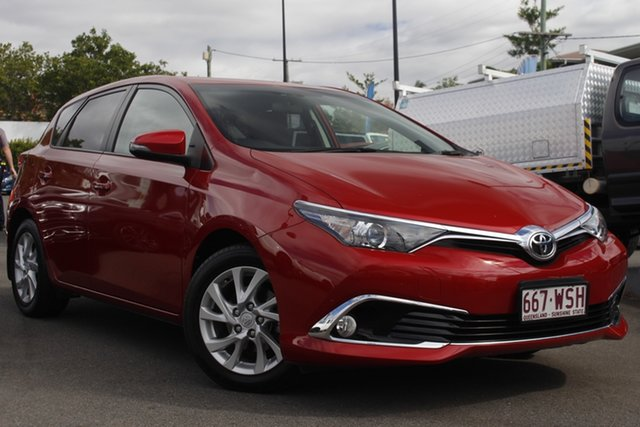 Used Toyota Corolla ZRE182R Ascent Sport S-CVT Mount Gravatt, 2016 Toyota Corolla ZRE182R Ascent Sport S-CVT Red 7 Speed Constant Variable Hatchback