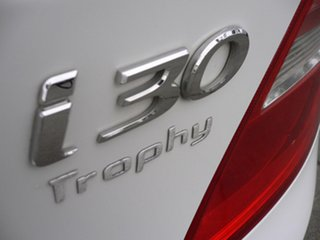 2011 Hyundai i30 FD MY11 Trophy White 5 Speed Manual Hatchback