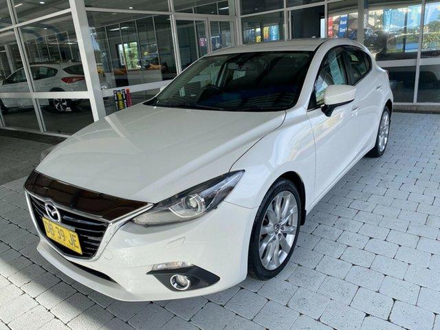 Used Mazda 3 SP25 Taree, 2016 Mazda 3 SP25 White Sports Automatic Hatchback