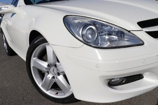 2007 Mercedes-Benz SLK-Class R171 MY07 SLK280 White 7 Speed Automatic Roadster.