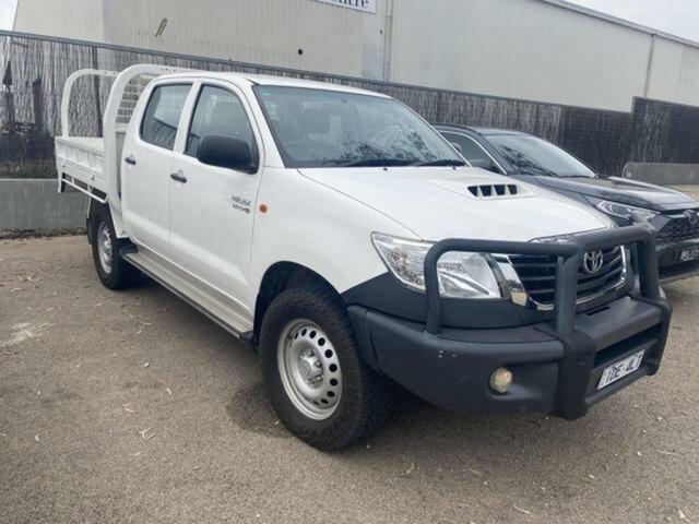 Used Toyota Hilux KUN26R MY14 SR (4x4) Wangaratta, 2015 Toyota Hilux KUN26R MY14 SR (4x4) Glacier White 5 Speed Automatic Dual Cab Pick-up