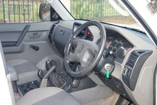 2000 Mitsubishi Pajero NM GL LWB (4x4) White 5 Speed Manual 4x4 Wagon