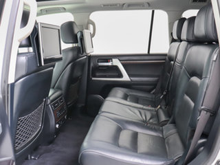2017 Toyota Landcruiser VDJ200R MY16 Sahara (4x4) Silver 6 Speed Automatic Wagon