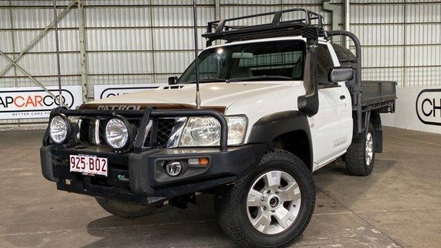 Used Nissan Patrol GU 6 MY10 DX Rocklea, 2010 Nissan Patrol GU 6 MY10 DX White 5 Speed Manual Cab Chassis