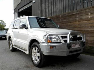 2004 Mitsubishi Pajero NP MY05 Exceed White 5 Speed Sports Automatic Wagon.