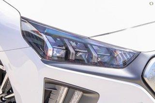 2021 Hyundai Ioniq AE.V4 MY21 electric Premium White 1 Speed Reduction Gear Fastback.