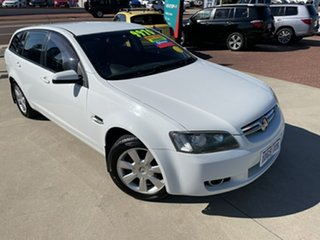 2010 Holden Berlina VE MY10 White 6 Speed Automatic Sportswagon.