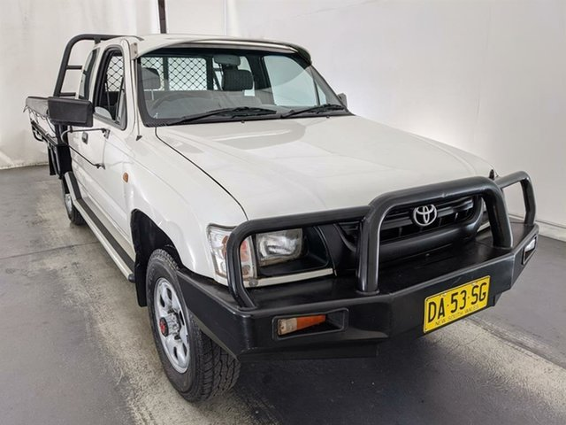 Used Toyota Hilux LN172R MY02 Xtra Cab Maryville, 2001 Toyota Hilux LN172R MY02 Xtra Cab White 5 Speed Manual Cab Chassis