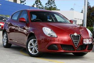 2013 Alfa Romeo Giulietta Series 0 MY13 Progression Red 6 Speed Manual Hatchback.