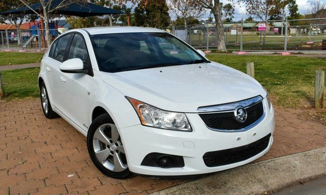 Used Holden Cruze JH Series II MY13 Equipe Ingle Farm, 2013 Holden Cruze JH Series II MY13 Equipe White 6 Speed Sports Automatic Hatchback