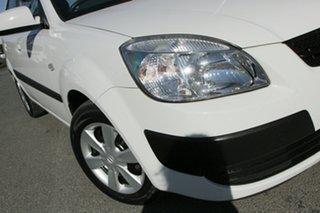 2007 Kia Rio JB Clear White 5 Speed Manual Hatchback.