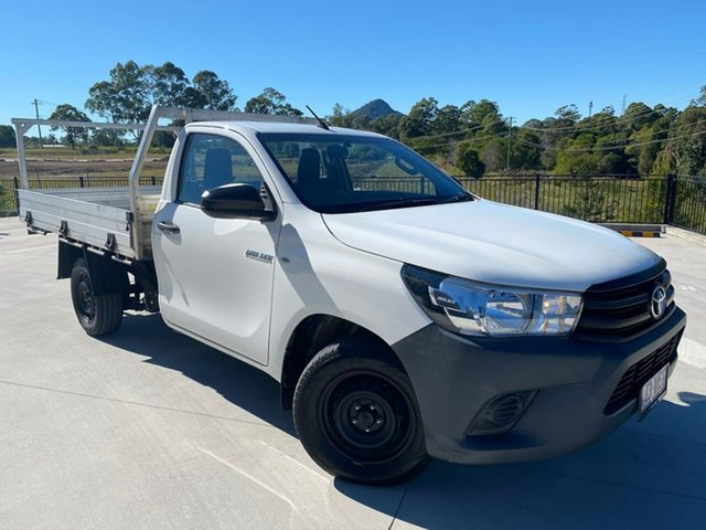 Used Toyota Hilux TGN121R Workmate 4x2 Cooroy, 2015 Toyota Hilux TGN121R Workmate 4x2 White 5 Speed Manual Cab Chassis