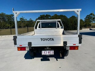 2015 Toyota Hilux TGN121R Workmate 4x2 White 5 Speed Manual Cab Chassis