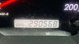 2005 Toyota Hilux KUN26R MY05 SR5 Black 5 Speed Manual Utility