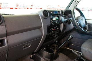 2016 Toyota Landcruiser VDJ79R MY12 Update GXL (4x4) French Vanilla 5 Speed Manual Cab Chassis