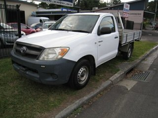 2007 Toyota Hilux TGN16R 06 Upgrade Workmate White 5 Speed Manual Cab Chassis.