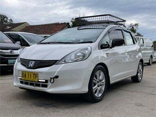 2012 Honda Jazz GE GLi White Automatic Hatchback.