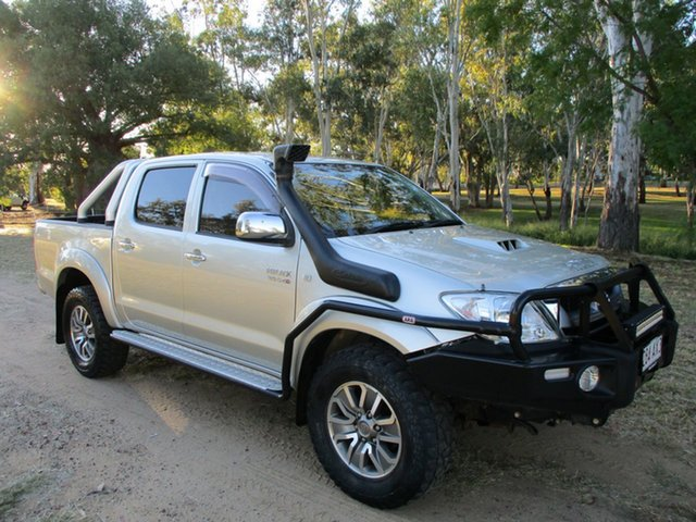 Pre-Owned Toyota Hilux KUN26R 09 Upgrade SR5 (4x4) Roma, 2010 Toyota Hilux KUN26R 09 Upgrade SR5 (4x4) Sterling Silver 5 Speed Manual Dual Cab Pick-up