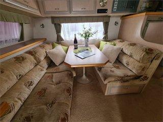 2006 Paramount Delta Caravan.