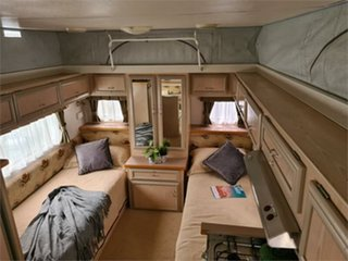 2006 Paramount Delta Caravan