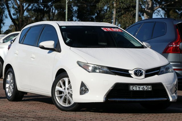 Pre-Owned Toyota Corolla ZRE182R Ascent Sport S-CVT Warwick Farm, 2014 Toyota Corolla ZRE182R Ascent Sport S-CVT Super White 7 Speed Constant Variable Hatchback