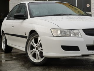 2004 Holden Commodore VZ Executive White 4 Speed Automatic Sedan.