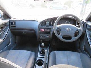 2005 Hyundai Elantra XD 2.0 HVT White 5 Speed Manual Hatchback