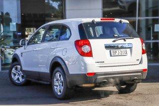2010 Holden Captiva CG MY10 SX AWD White 5 Speed Sports Automatic Wagon.