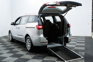2015 Kia Carnival YP MY15 S Silver 6 Speed Automatic Wagon.