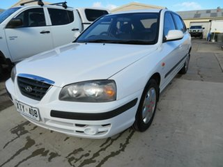 2005 Hyundai Elantra XD 2.0 HVT White 5 Speed Manual Hatchback.