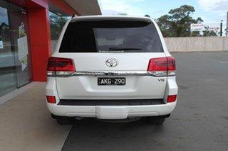 2017 Toyota Landcruiser VDJ200R VX White 6 Speed Sports Automatic Wagon.