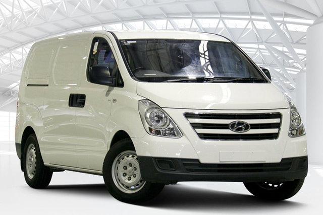 Used Hyundai iLOAD TQ3-V Series II MY17 Moorebank, 2016 Hyundai iLOAD TQ3-V Series II MY17 Creamy White 5 Speed Automatic Van