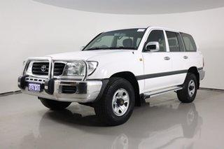 2001 Toyota Landcruiser HDJ100R GXL (4x4) White 4 Speed Automatic 4x4 Wagon.