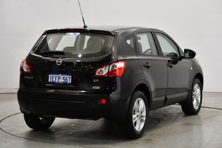 2013 Nissan Dualis J10W Series 4 MY13 ST Hatch X-tronic 2WD Cherry Red 6 Speed Constant Variable.