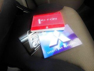 2009 Mitsubishi Triton ML MY09 GLX White 5 Speed Manual Double Cab Utility.