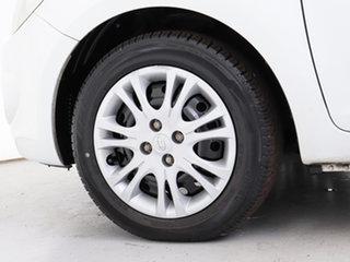2011 Hyundai i20 PB MY11 Active White 5 Speed Manual Hatchback