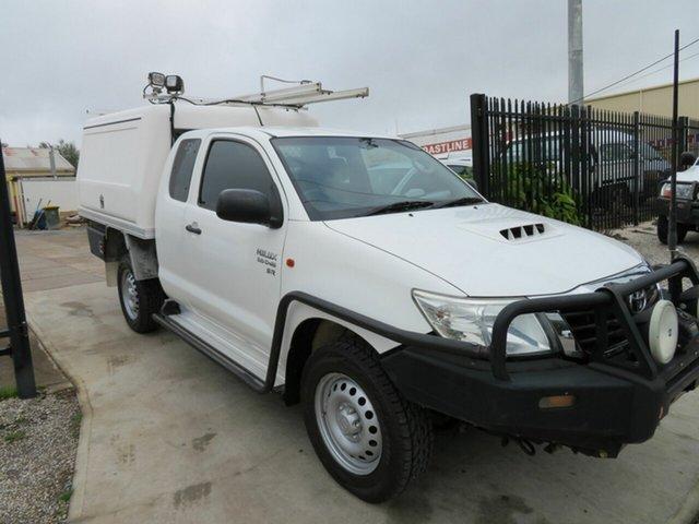 Used Toyota Hilux KUN26R SR Morphett Vale, 2015 Toyota Hilux KUN26R SR White 5 Speed Manual Extracab