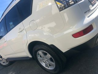 2011 Mitsubishi Outlander ZH MY11 LS 2WD White Solid 5 Speed Manual Wagon