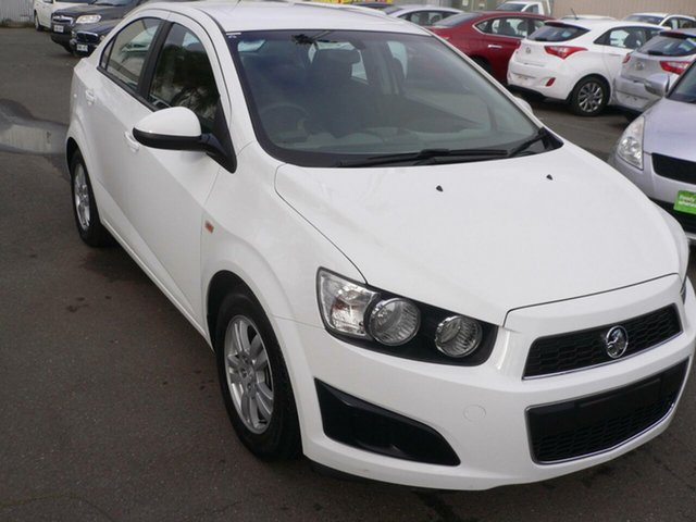 Used Holden Barina TM MY14 CD St Marys, 2014 Holden Barina TM MY14 CD White 6 Speed Automatic Sedan