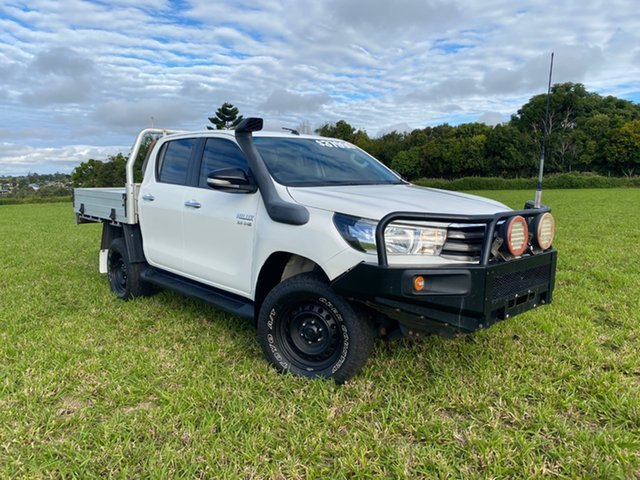 Pre-Owned Toyota Hilux GUN126R SR (4x4) Atherton, 2015 Toyota Hilux GUN126R SR (4x4) Glacier White 6 Speed Manual Dual Cab Chassis